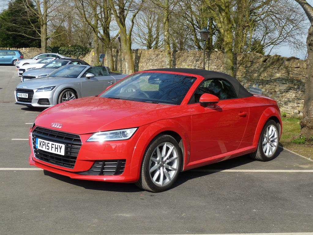 W-A AUDI TT ROADSTER 2.0 TDI KH HEADING SHOT:1 ALT. 1 OF 2