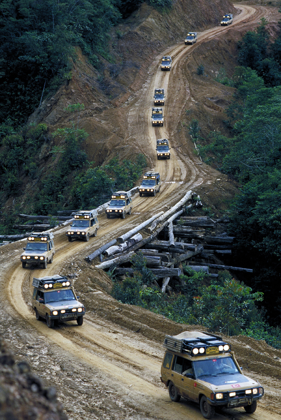 An amazing photograph, taken on the 1990 Camel Trophy event, and showing a dozen Discoverys snaking their way along a jungle track. (Photo courtesy Land Rover).