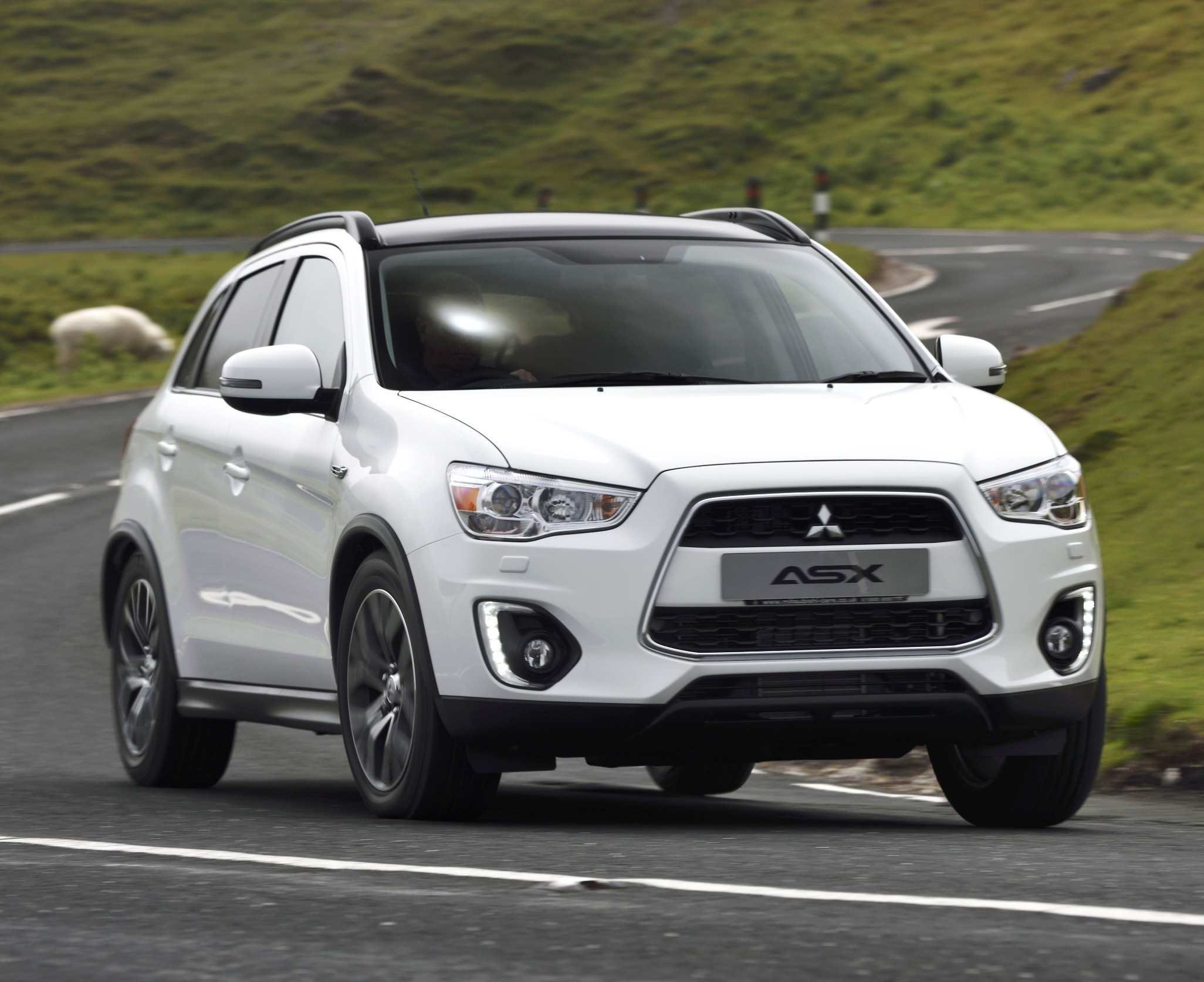 Mitsubishi ASX front action copy