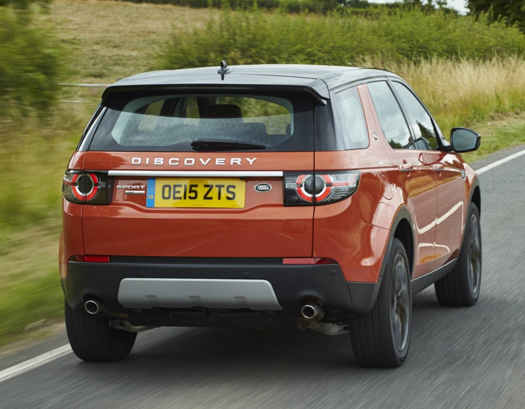 Land Rover Discovery Sport 2016 rear action