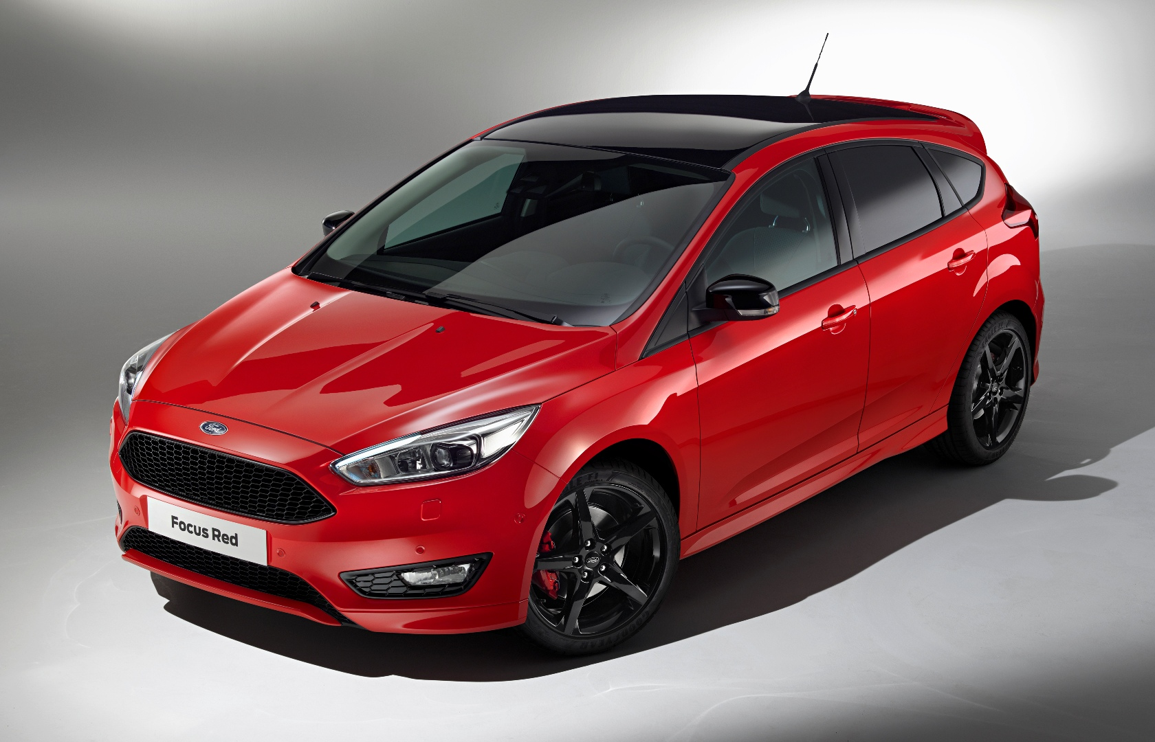 2016 ford focus zetec s red edition 182 hp wheels alive. Black Bedroom Furniture Sets. Home Design Ideas