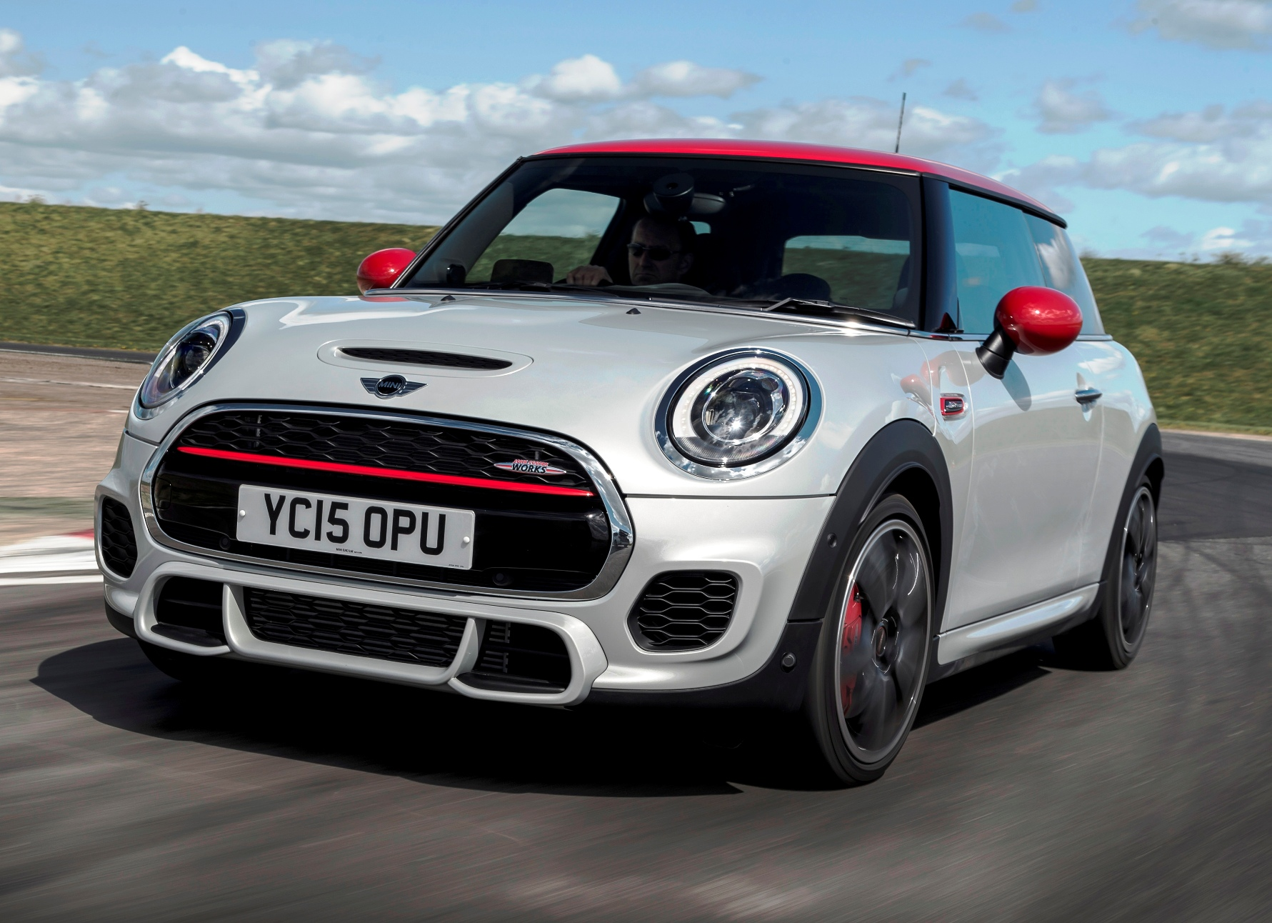 MINI Hatch JCW front action