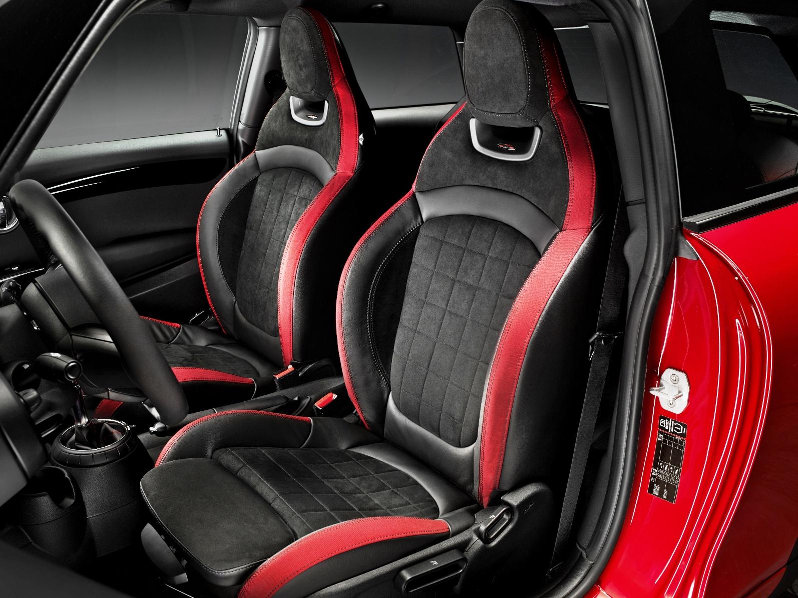 MINI Hatch JCW front interior