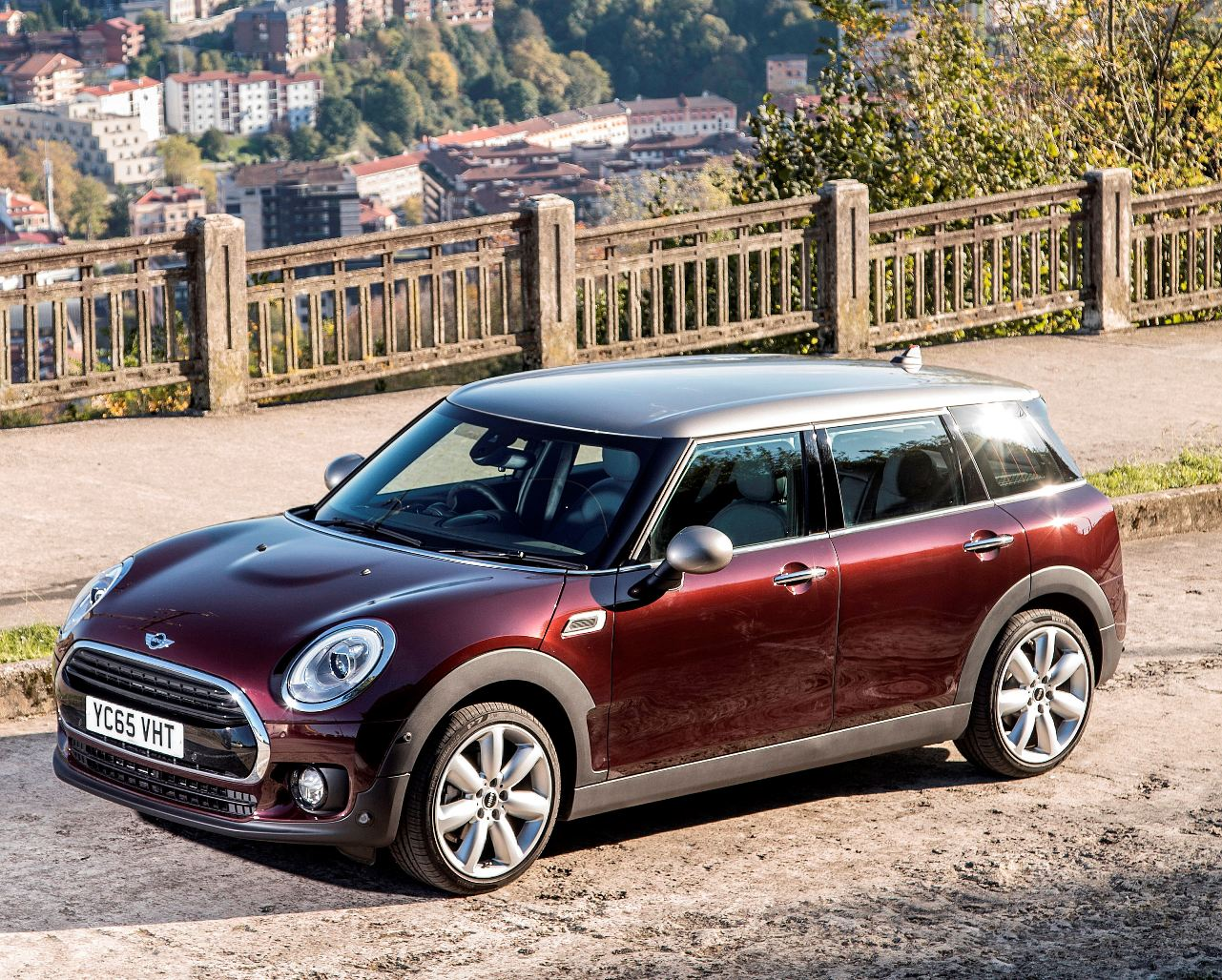 Mini New Clubman side view