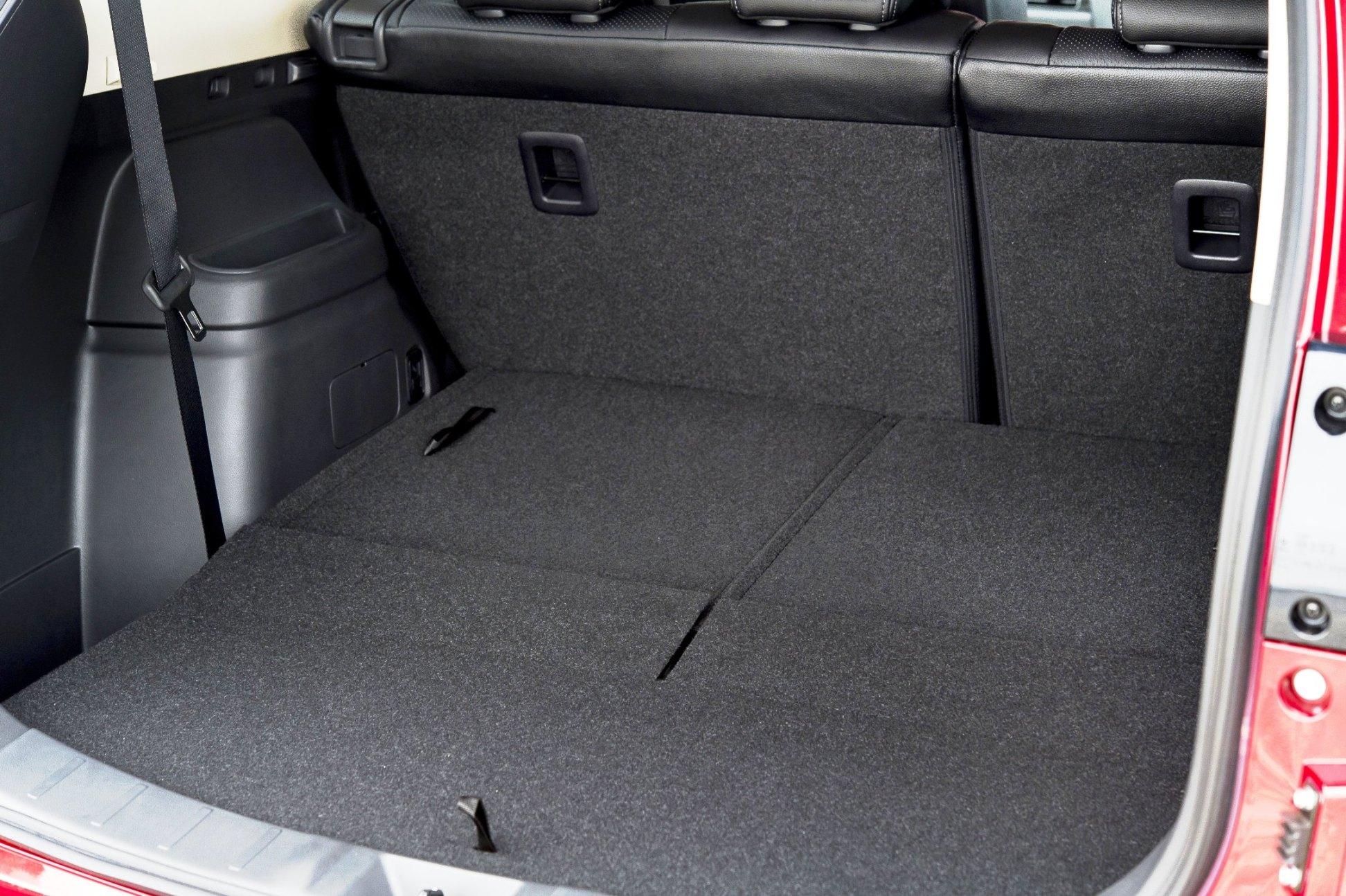 Mitsibishi Outlander diesel 7-seats, rears folded down