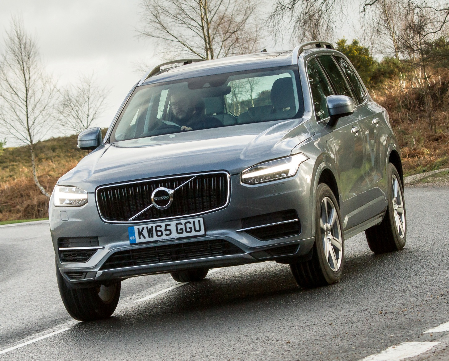 Volvo XC90 T8 front action