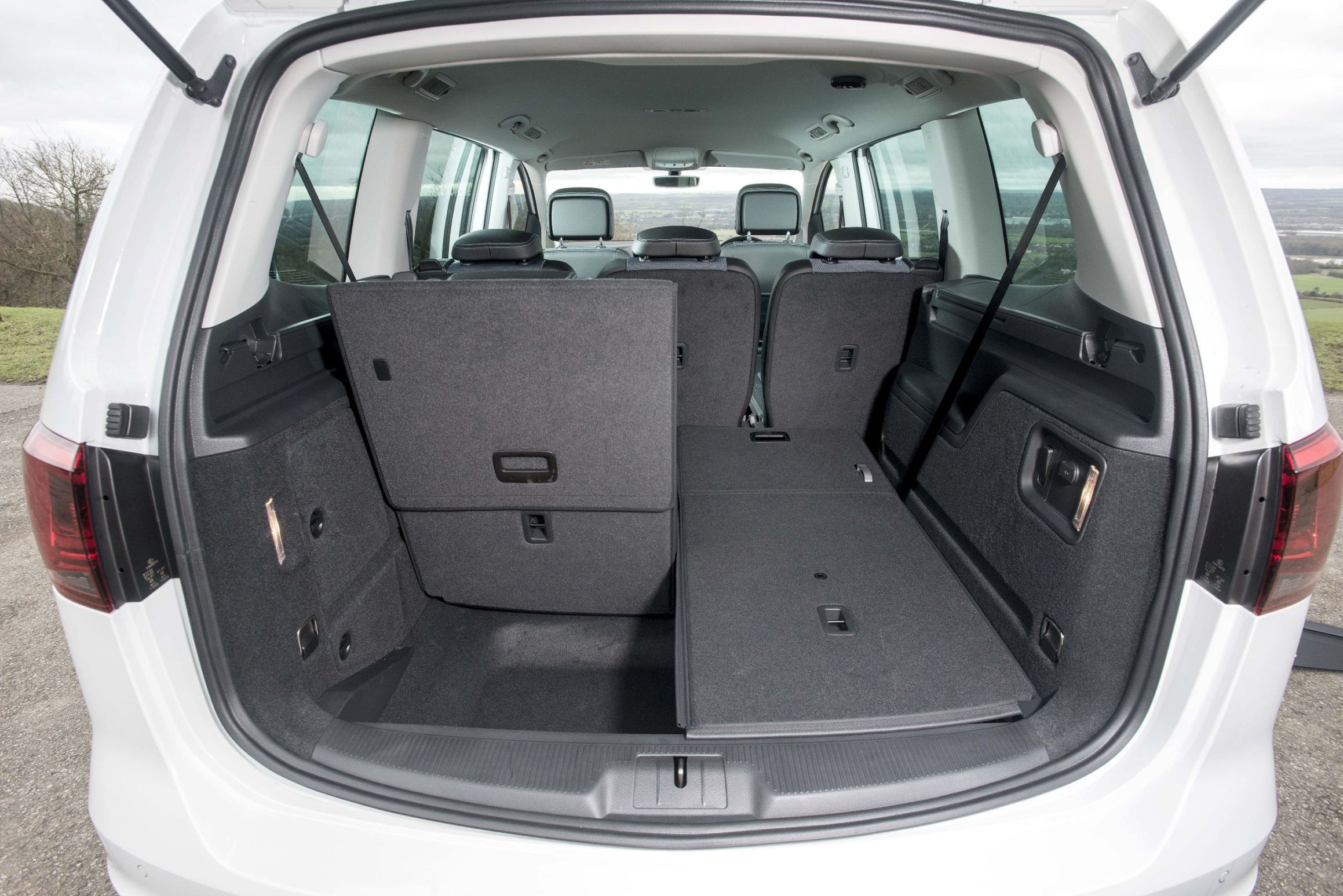 seat alhambra mpv road test wheels alive. Black Bedroom Furniture Sets. Home Design Ideas