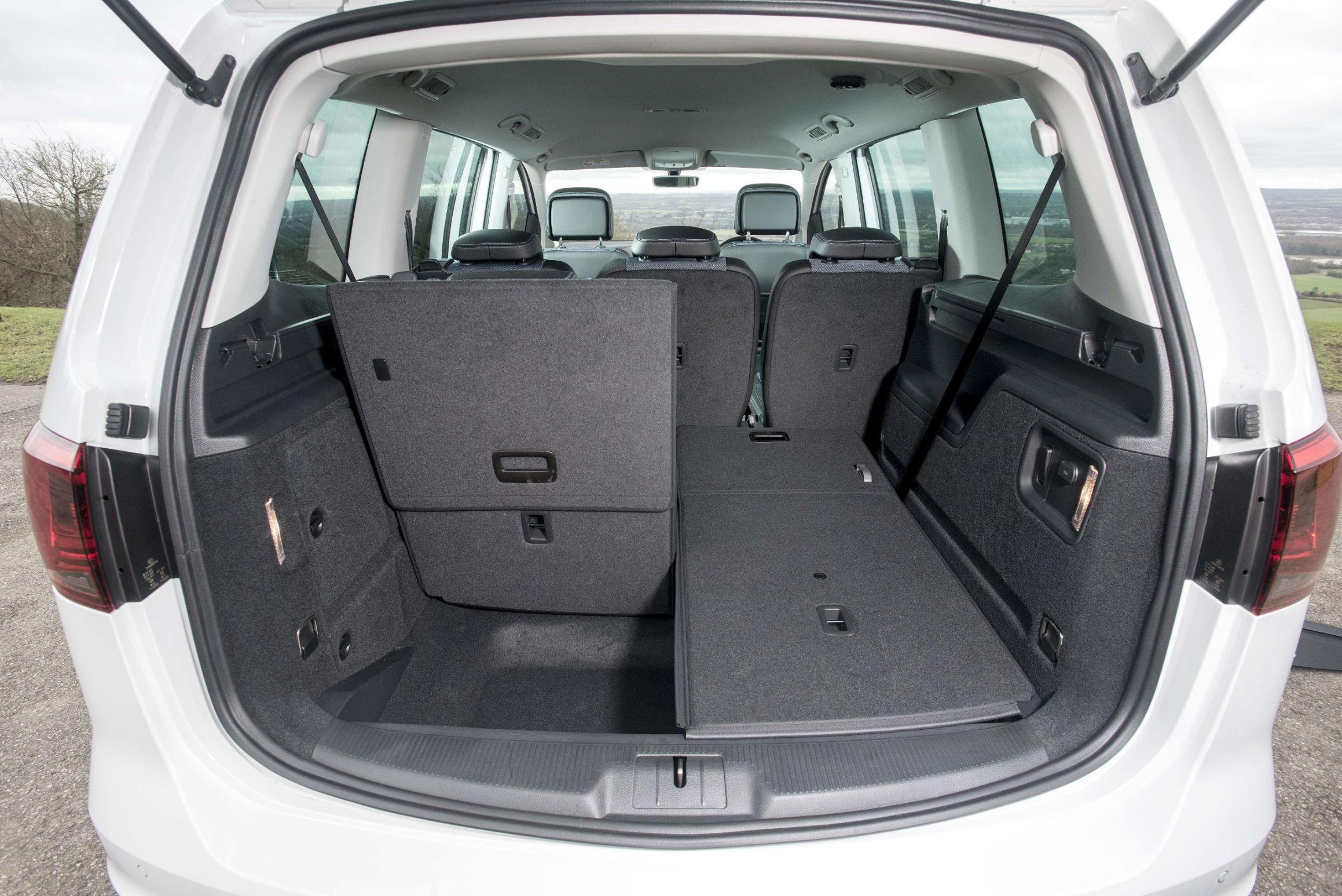 seat alhambra mpv road test wheels alive. Black Bedroom Furniture Sets. Home Design Ideas
