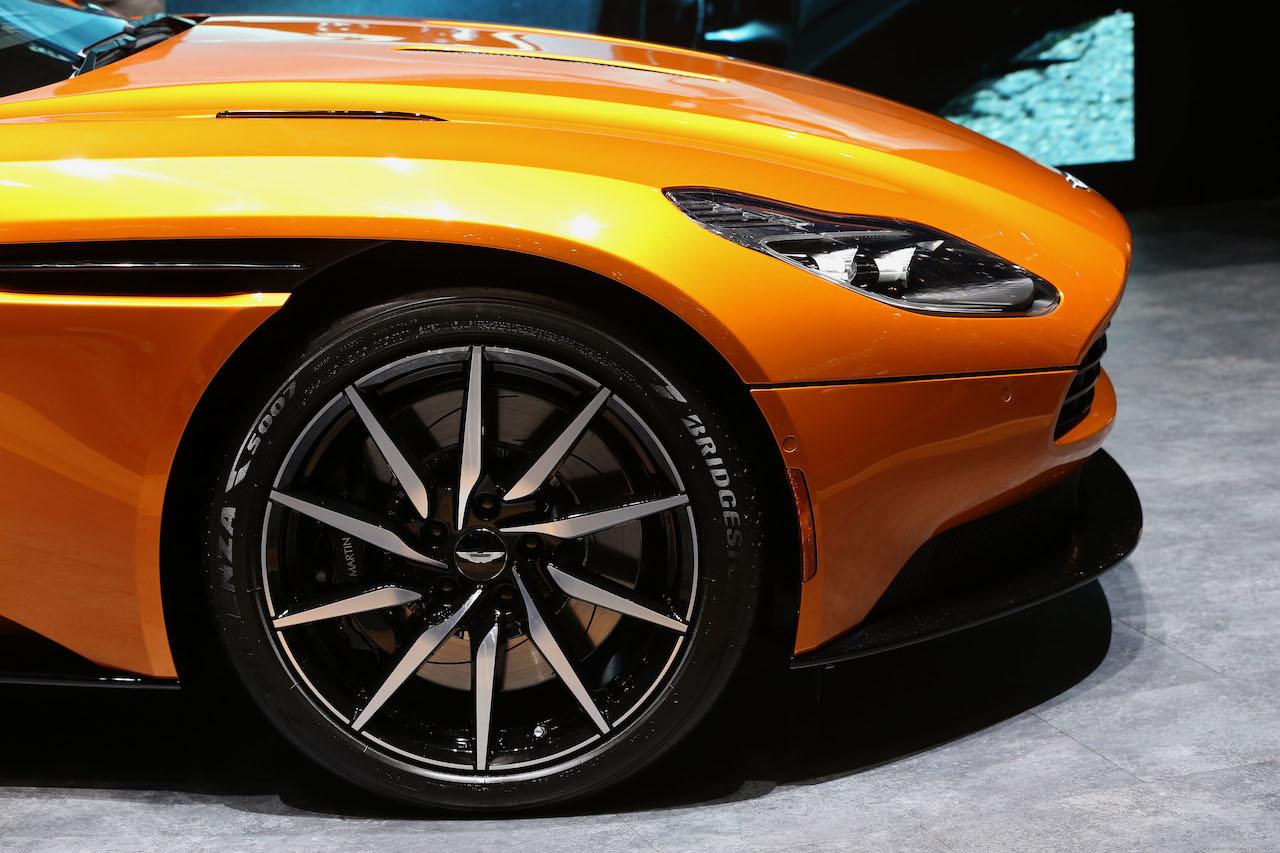 Bridgestone. Geneva Mortor Show 2016
