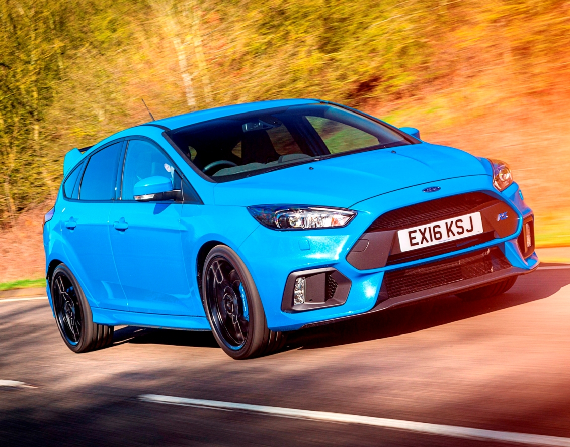 Ford Focus RS road action, front view