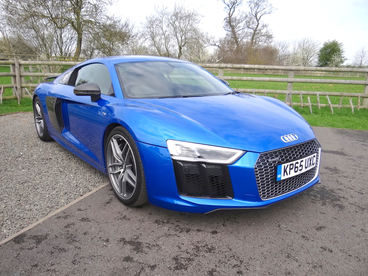 audi r8 coupe v10 plus first impressions wheels alive. Black Bedroom Furniture Sets. Home Design Ideas