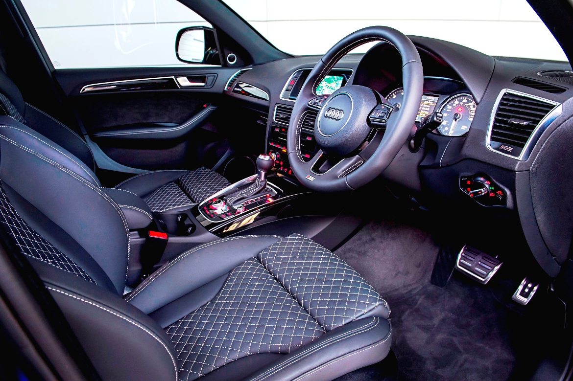 Audi S8 Plus supercar saloon front interior