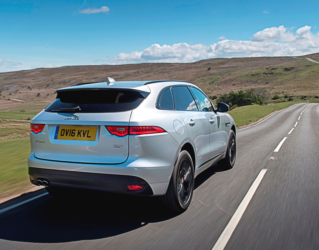 Jaguar F-Pace rear side action copy