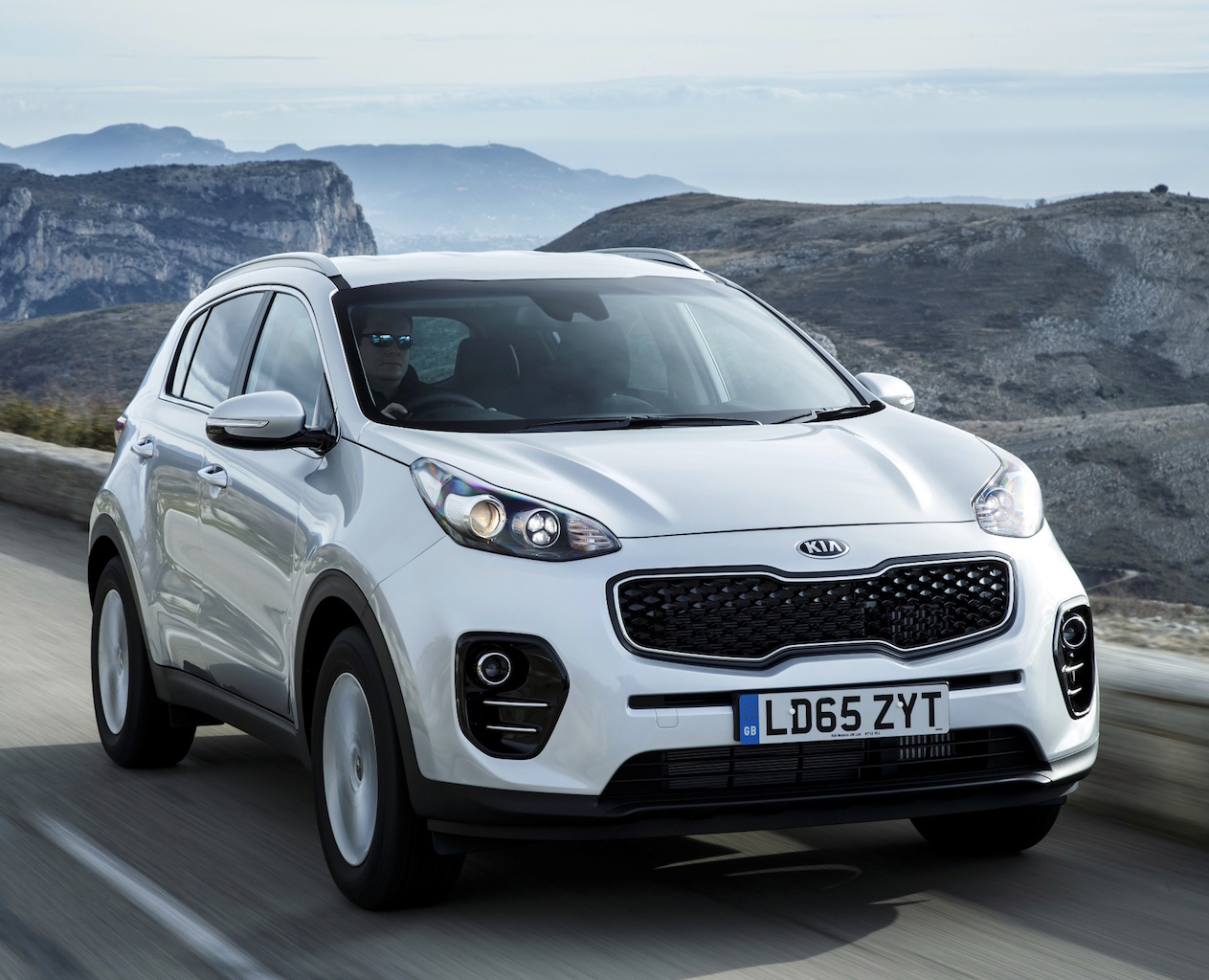 Kia Sportage 1.7 CRDi front action copy