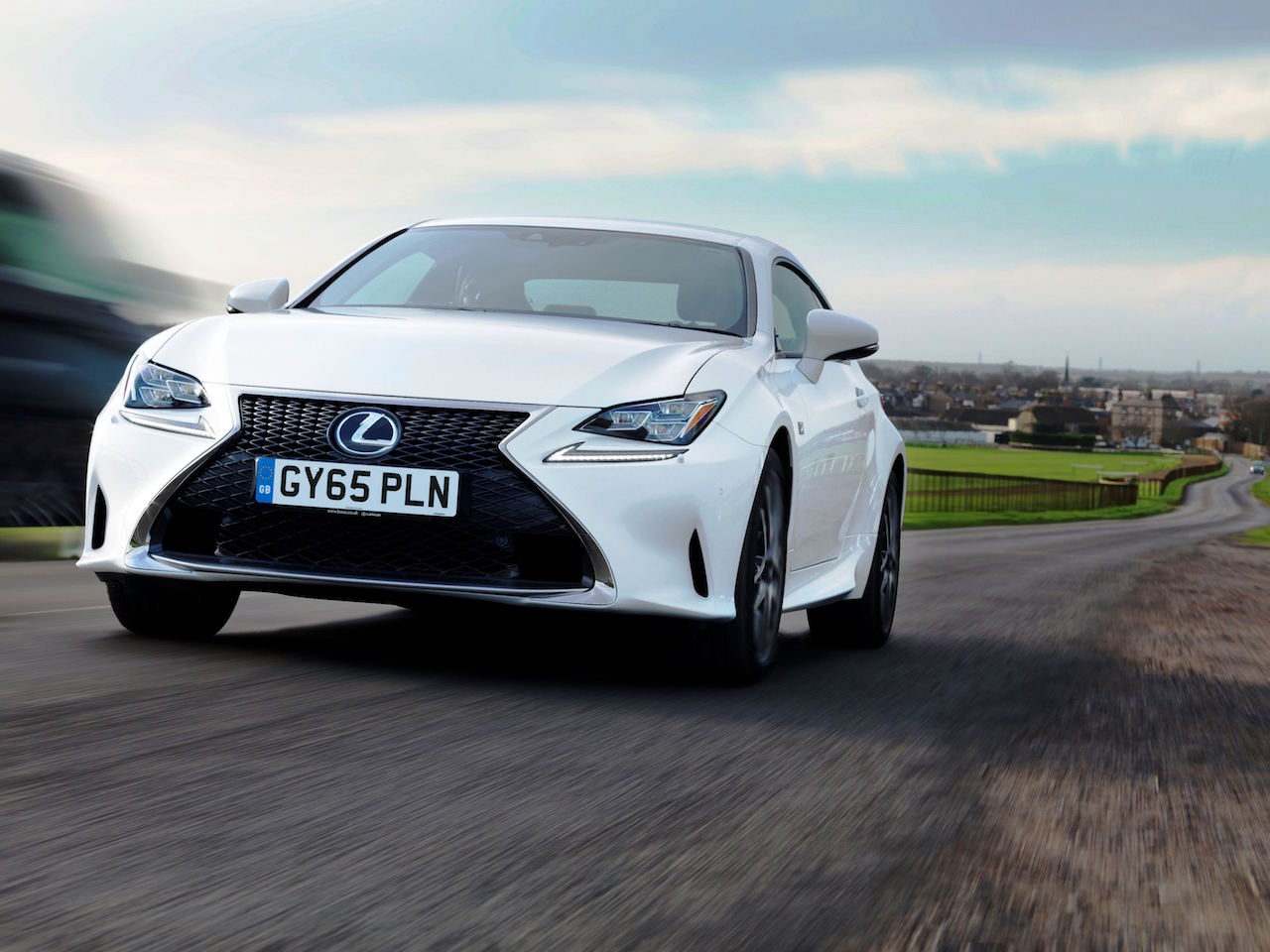 Lexus RC 200t front action copy