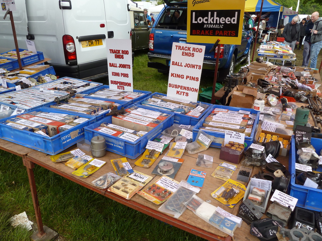 David Kingerley's stall is always easy to buy from, with a multitude of running gear parts for all types of classics, and with information and prices clearly marked. Great!