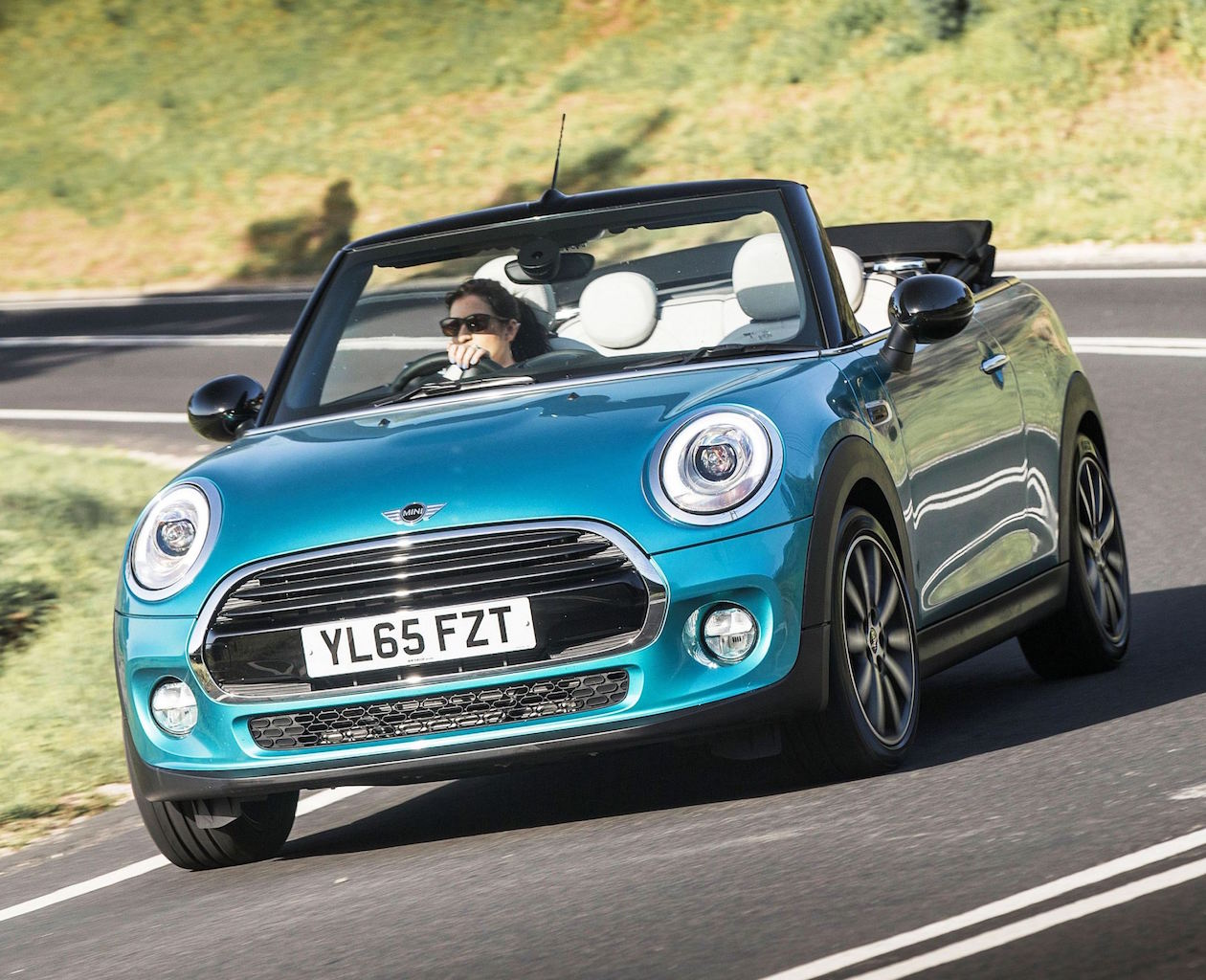 Mini Cooper Convertible front action copy