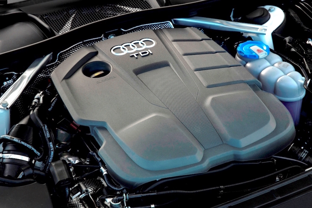 Audi A4 low emission 150hp, 104gkmTDI engine copy