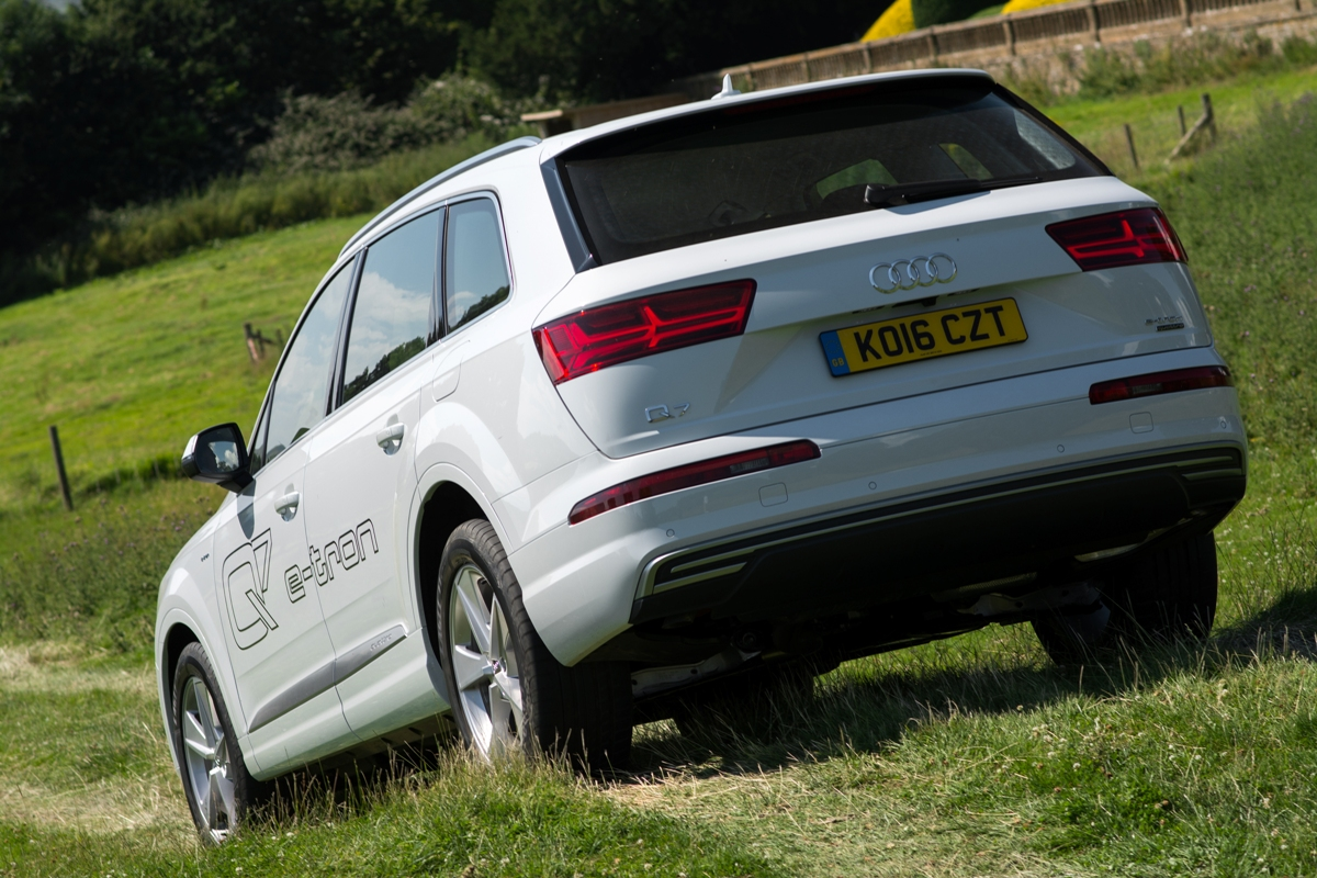 Audi Q7 e tron diesel electric hybrid SUV off roading copy