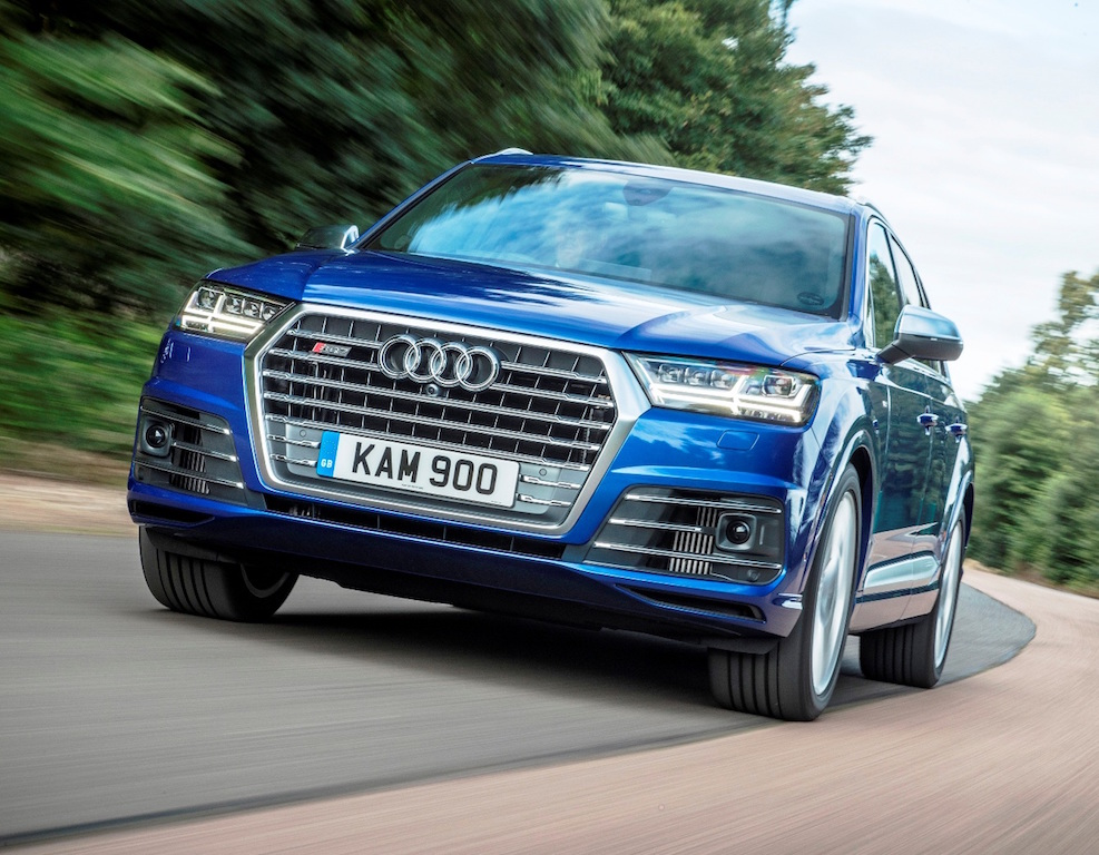 Audi SQ7 front action copy