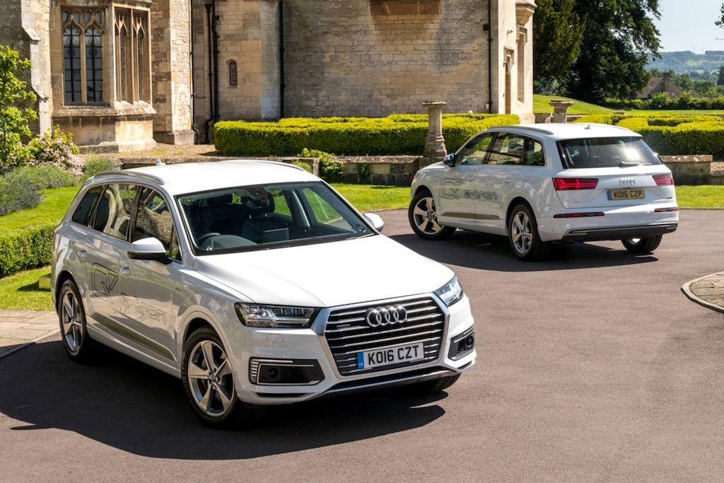 Audi's new Q7 e tron SUVs front and rear copy