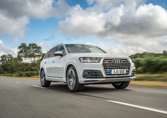Audi Q7 frnt