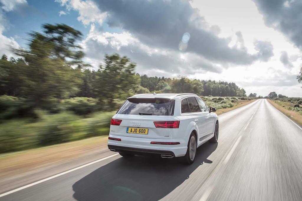 Audi Q7 rear onroad