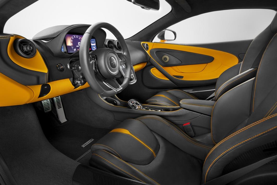 McLaren 570S front interior