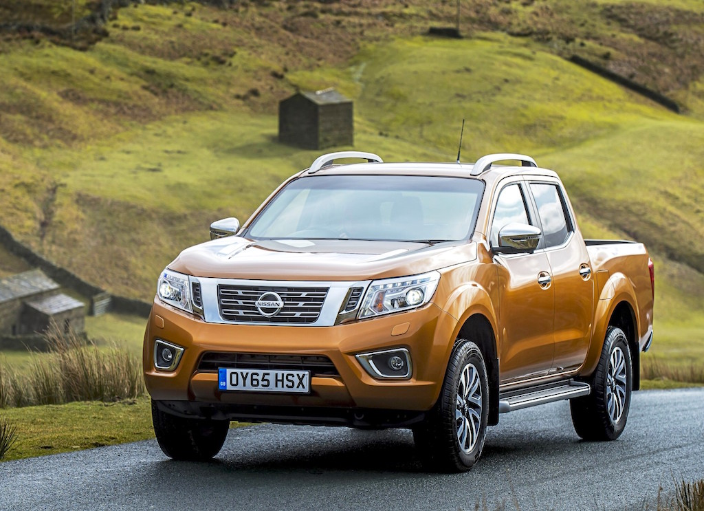 Nissan Navara Double Cab front side view copy