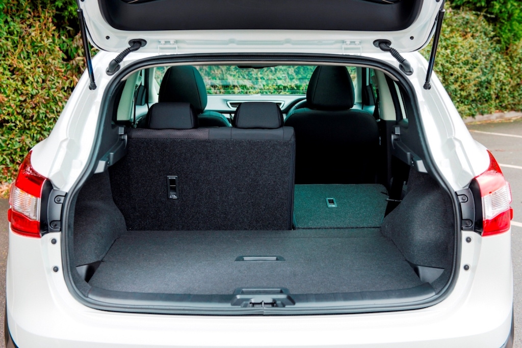Nissan Qashqai versatile seating and load area copy