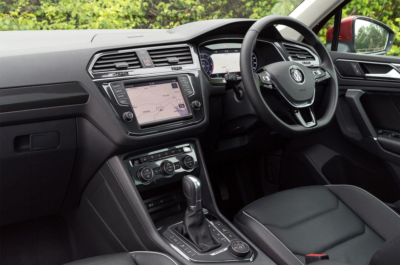 VW Tiguan SEL front interior