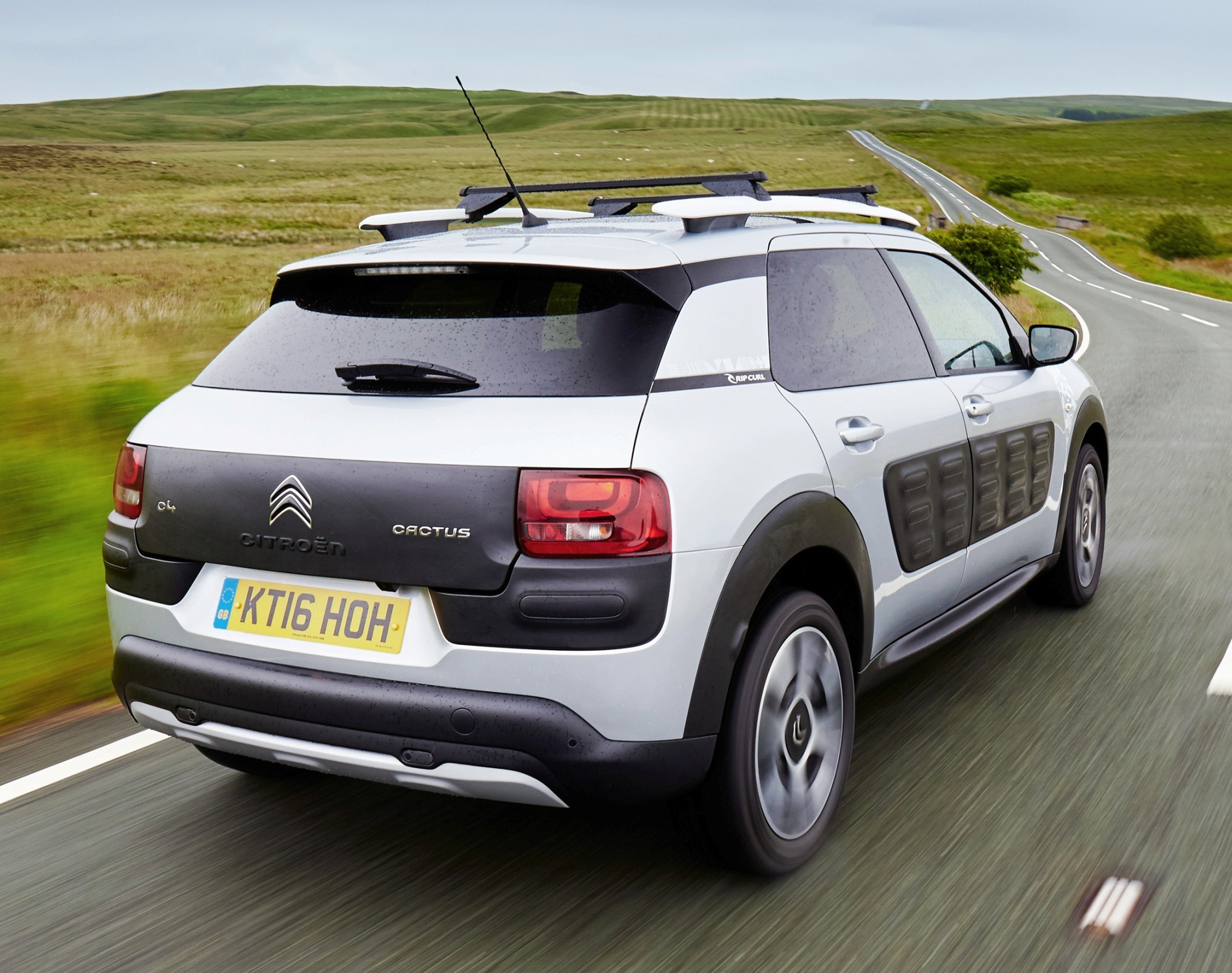 citroen-c4-cactus-rip-curl-rear-side-action