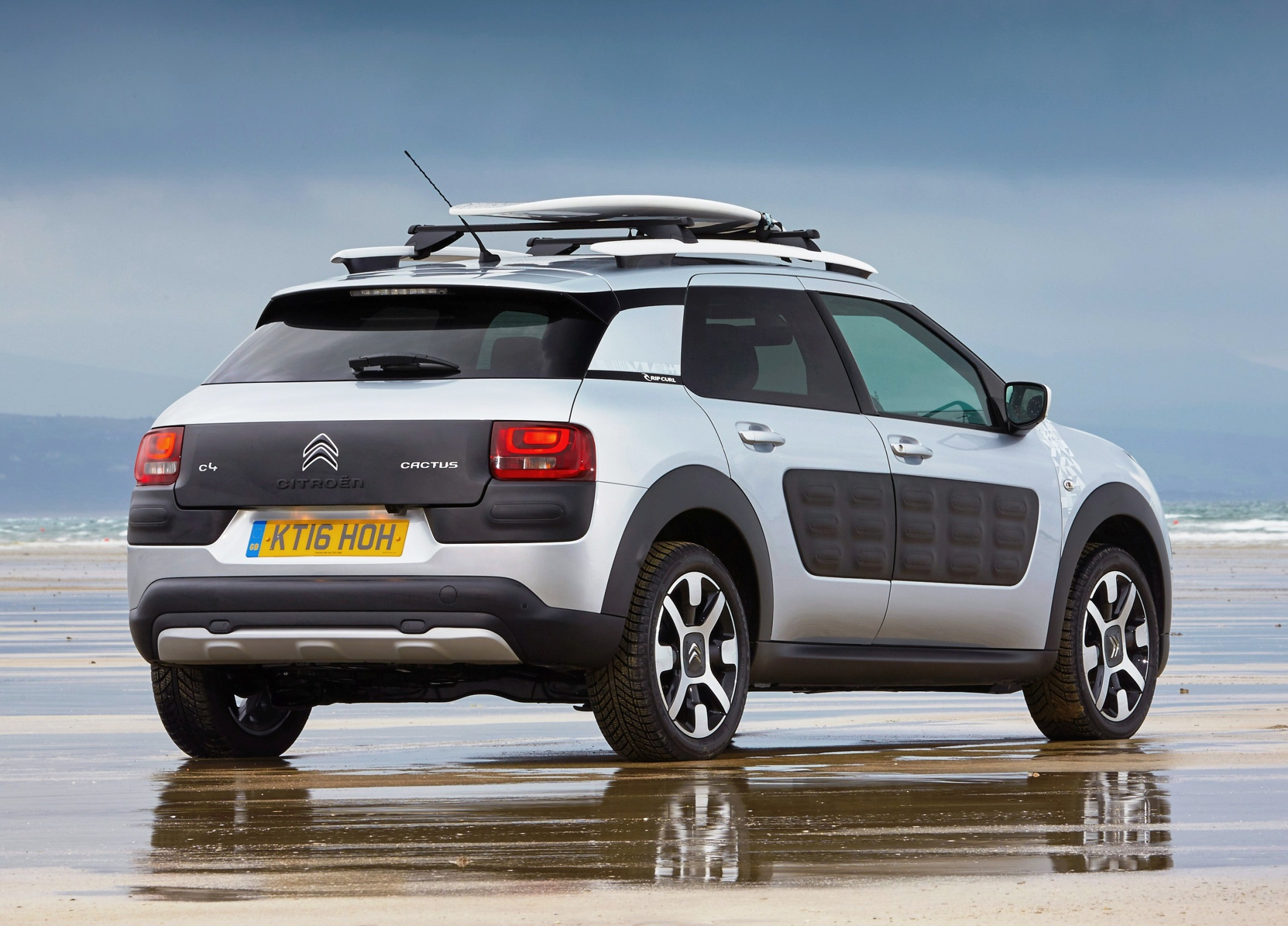 citroen-cactus-c4-rip-curl-side-rear-static-view