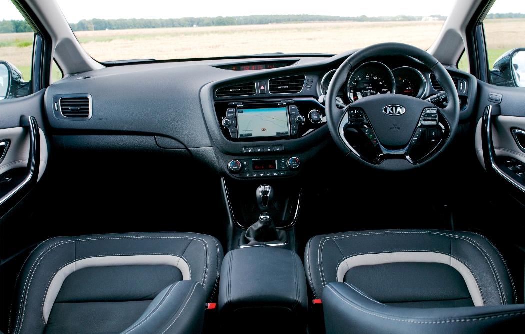 kia-ceed-sportswagon-front-interior