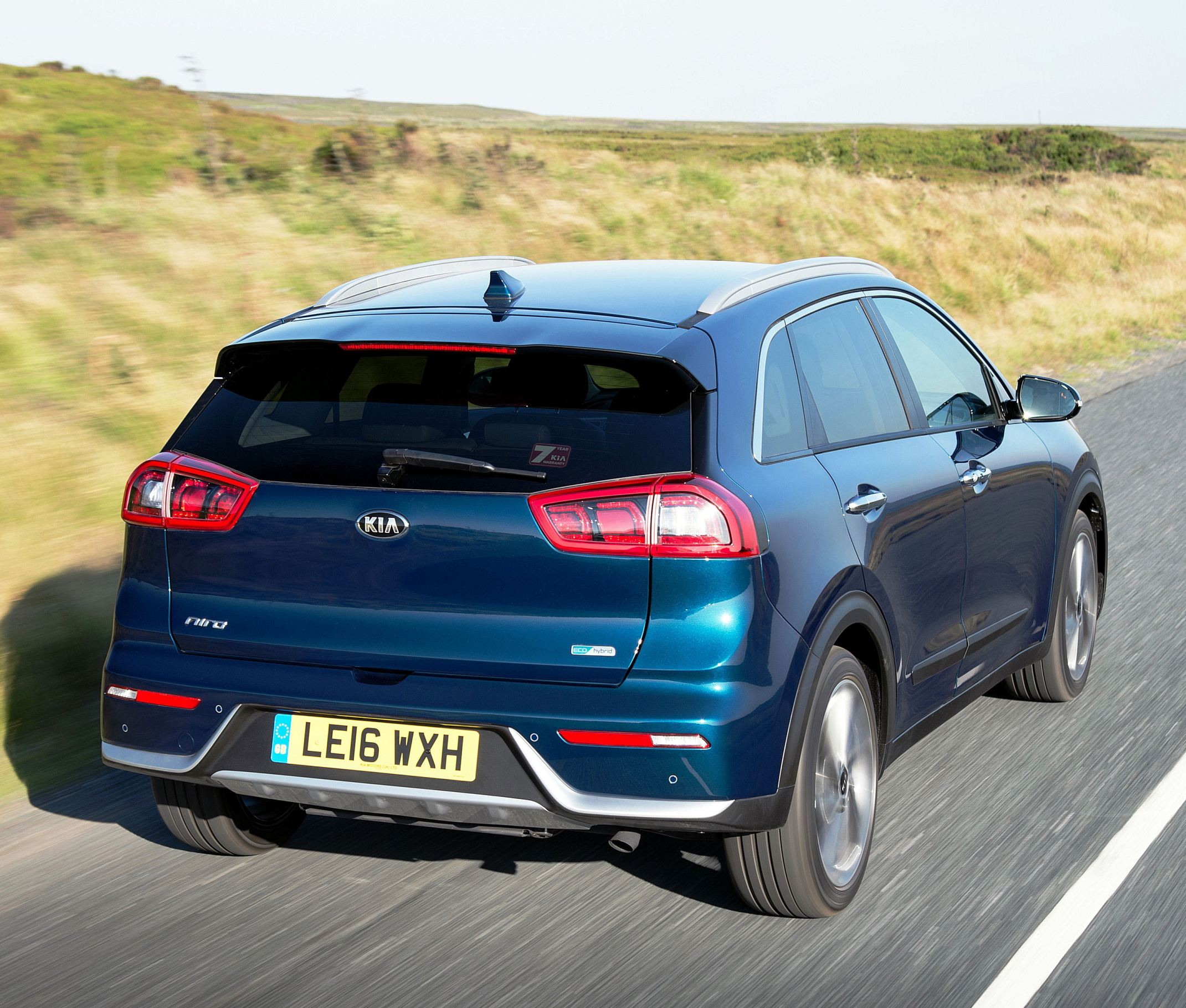kia-niro-rear-side-action