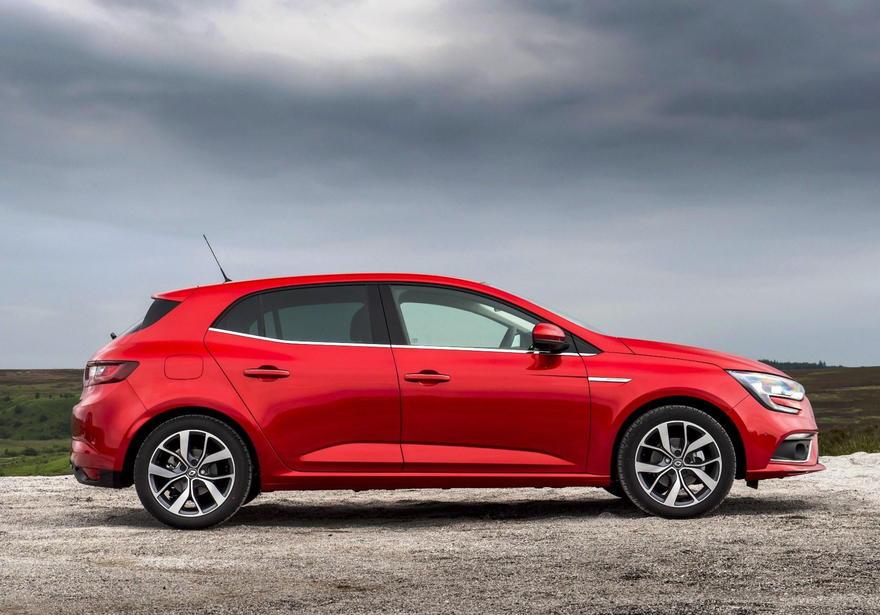 new-renault-megane-hatchback-side-view