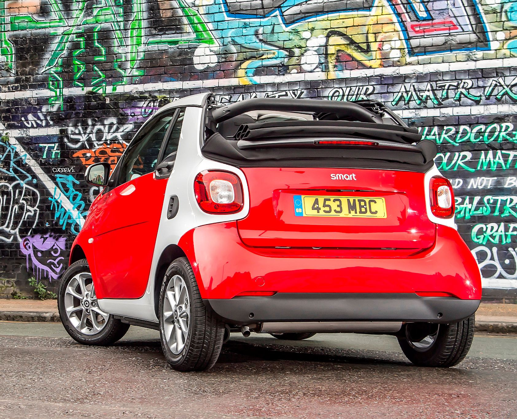 smart-fortwo-cabrio-rear-view-roof-down