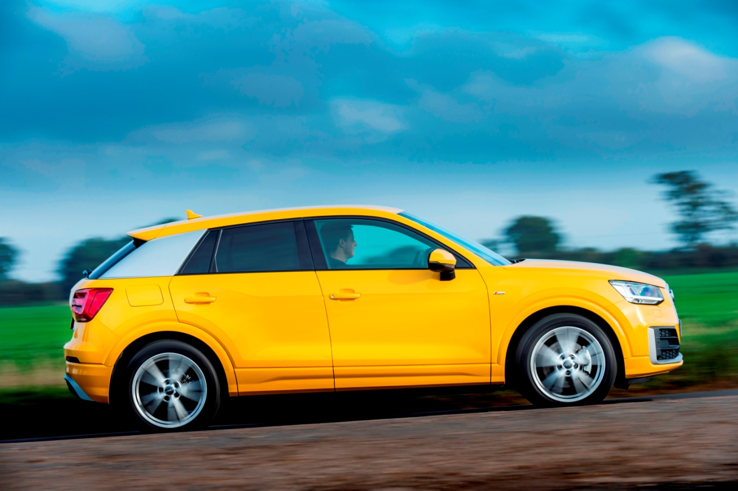 audi_q2_tfsi-side-action-copy