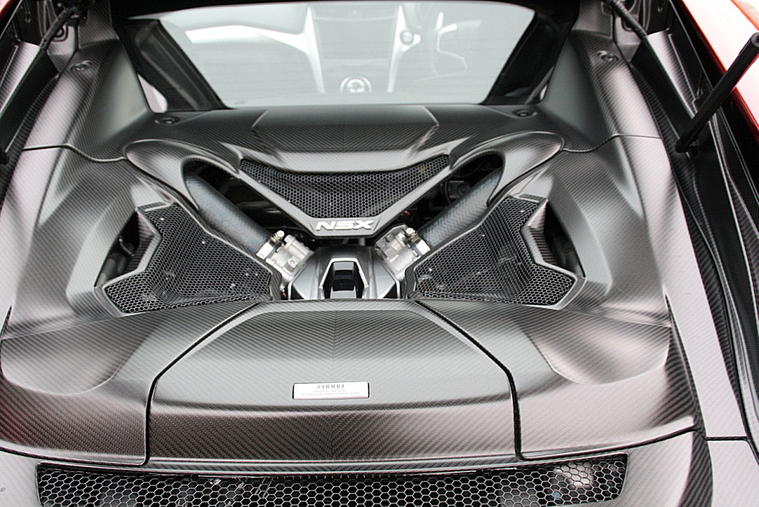 honda-nsx-mid-engine-compartment