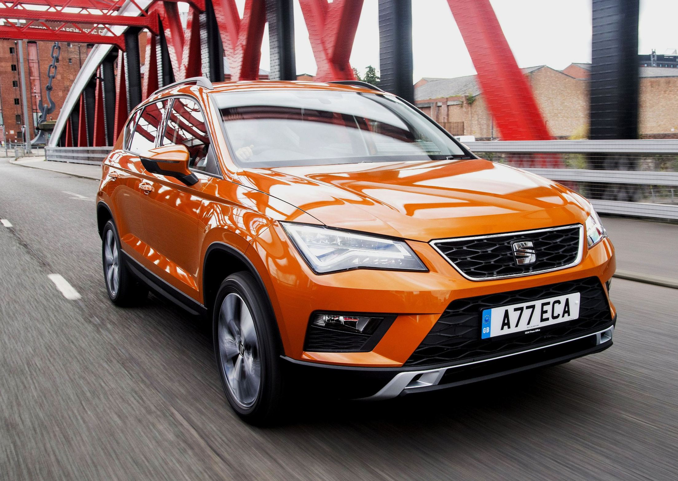 seat-ateca-front-side-on-road-action-1