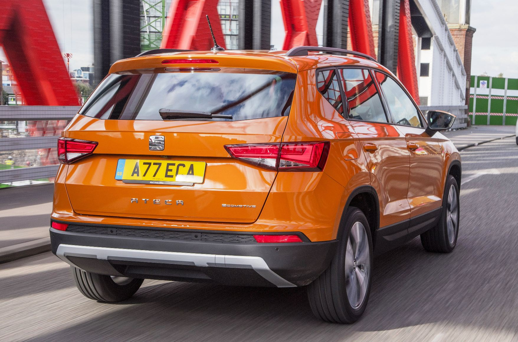 seat-ateca-rear-side-action