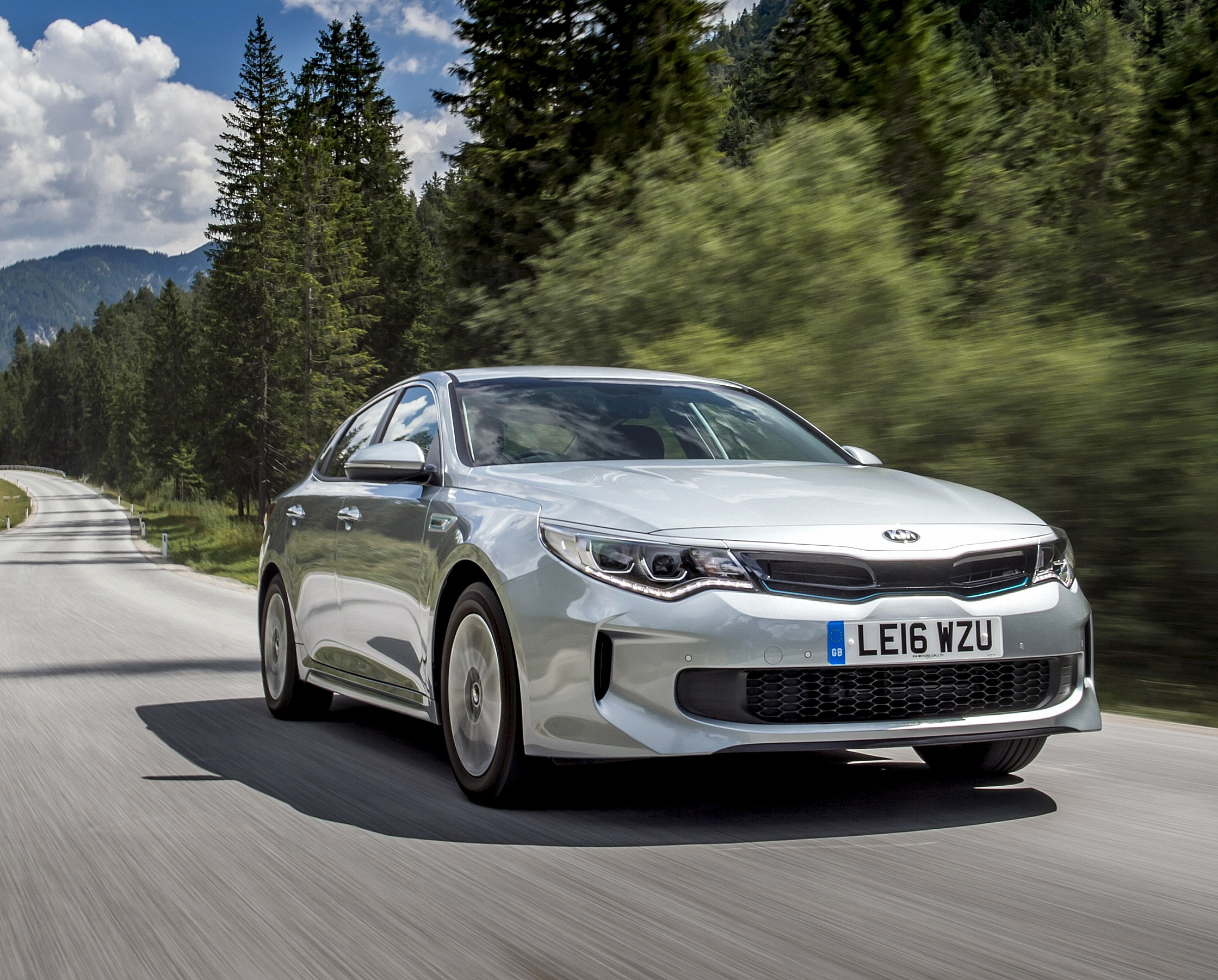 kia optima phev hybrid saloon road test plus news on. Black Bedroom Furniture Sets. Home Design Ideas