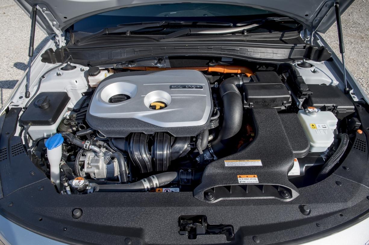 kia-optima-phev-power-source-petrol-electric