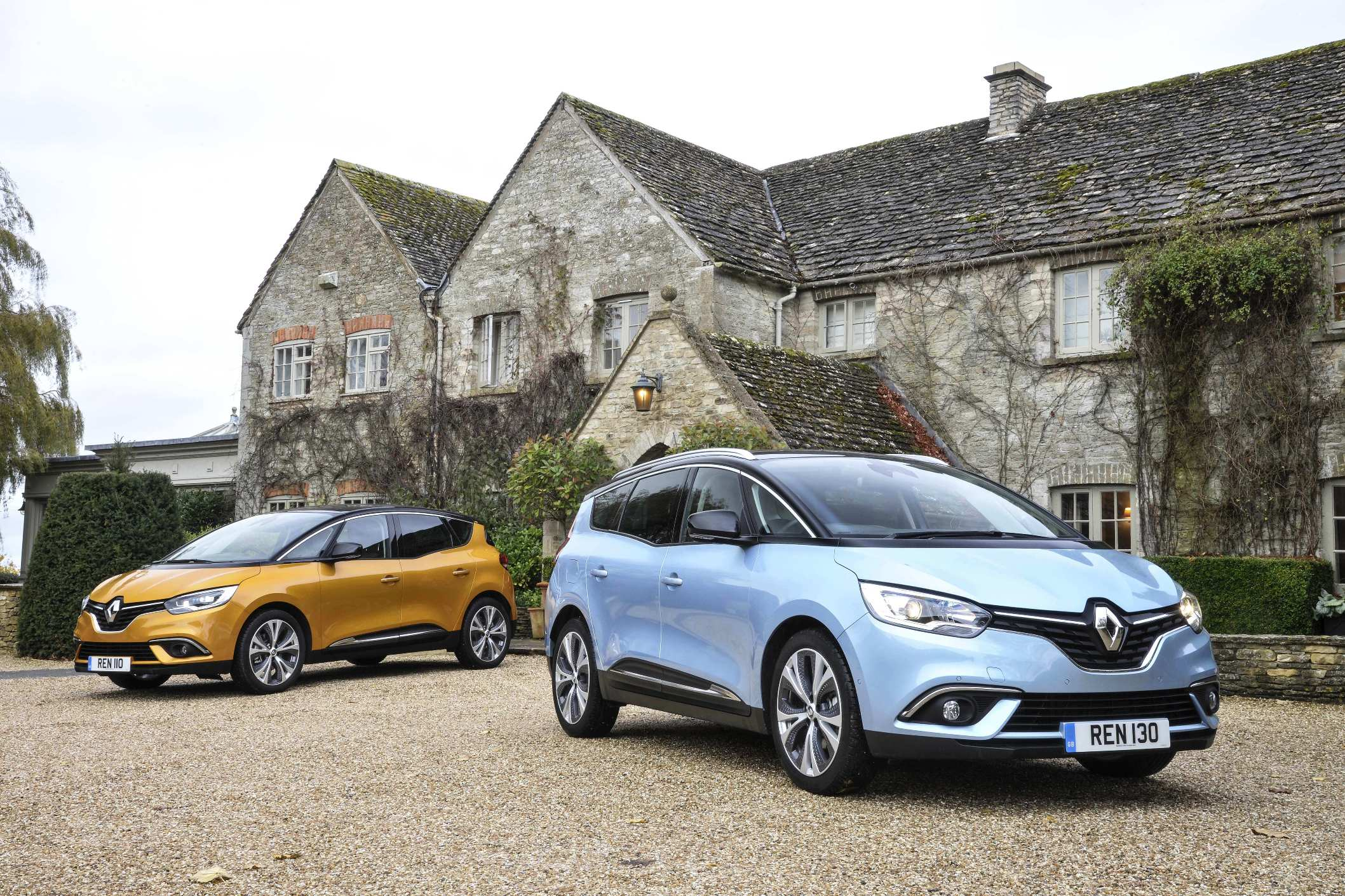 renaults-all-new-scenic-left-and-grand-scenic-models