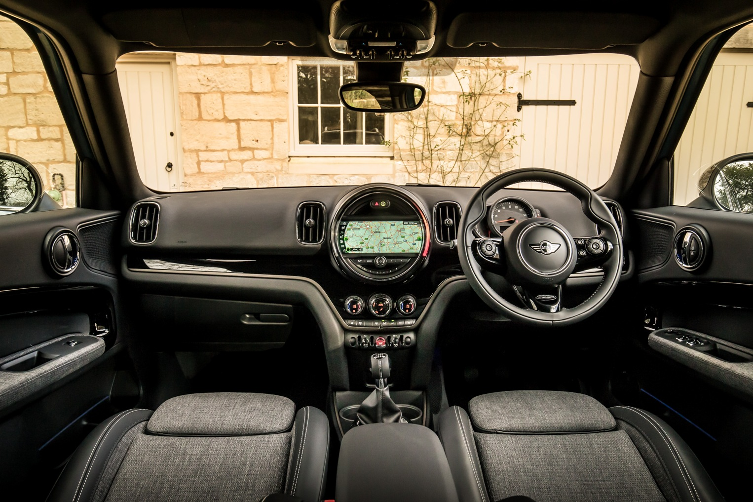 New mini countryman road test wheels alive - Countryman interior ...