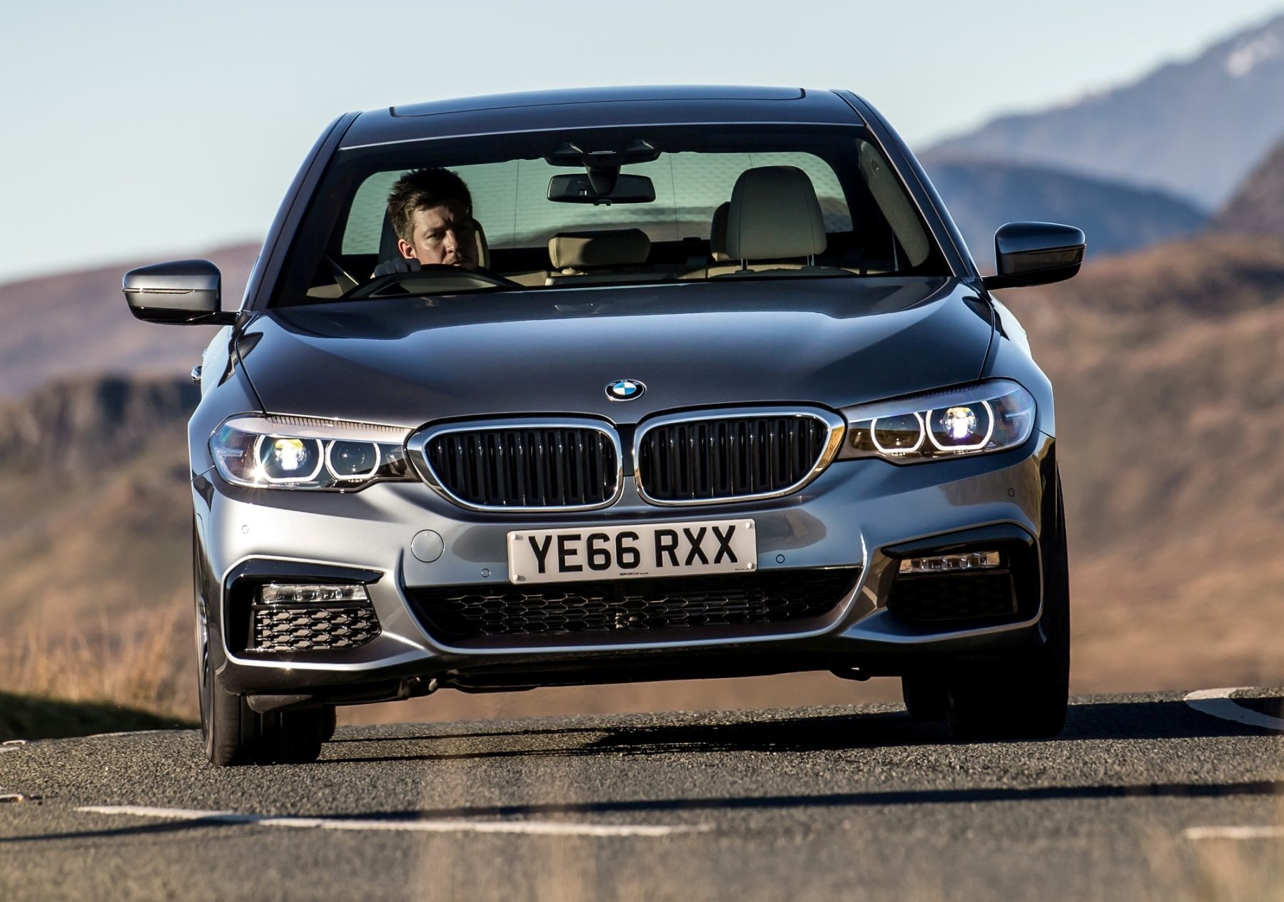 How Do You Distinguish The New 5 Series Saloon From Its Predecessors Starting At Front Circular Headlights Connect Seamlessly With Famous BMW
