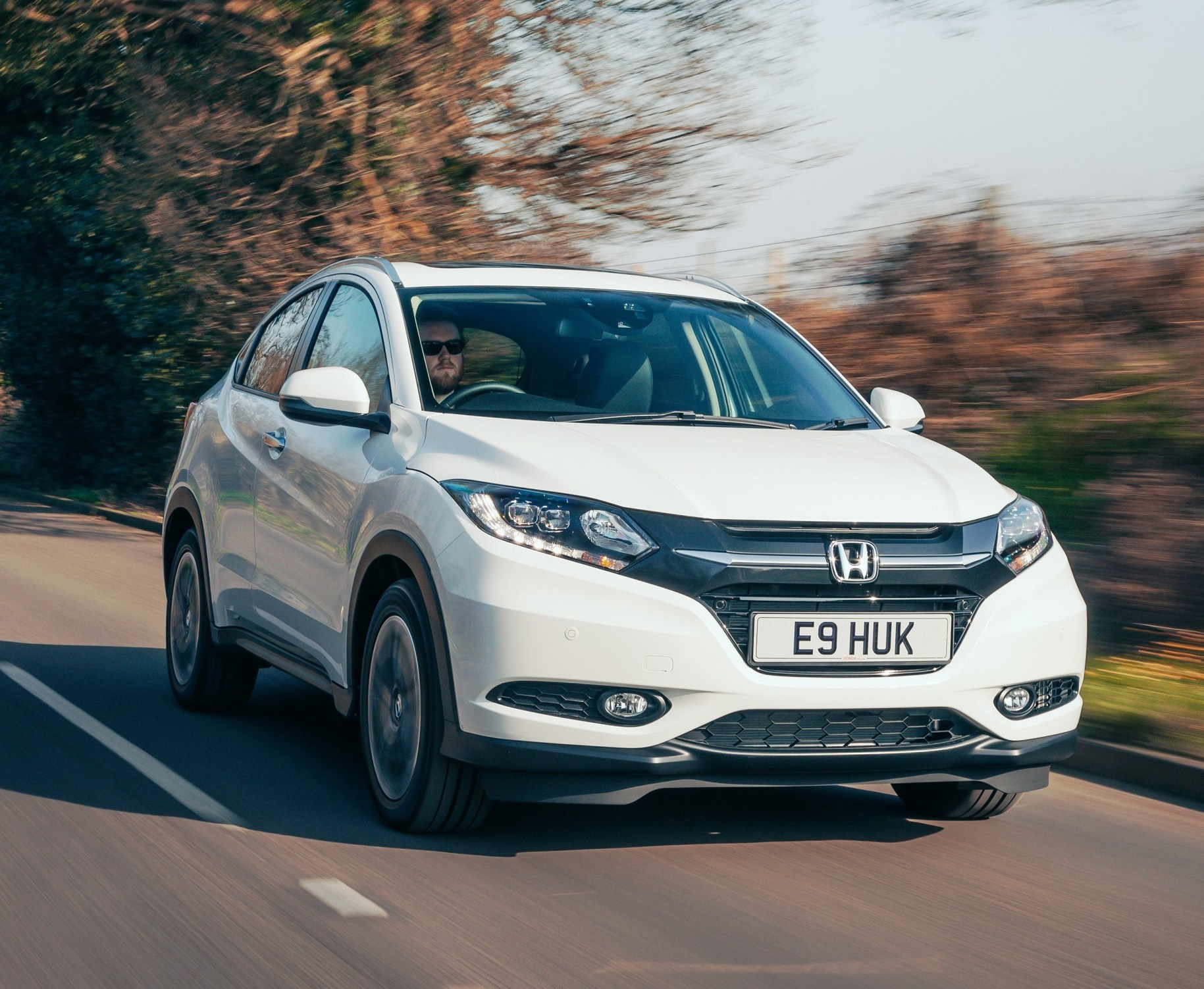 Honda hr v compact suv crossover road test wheels alive for Honda compact suv