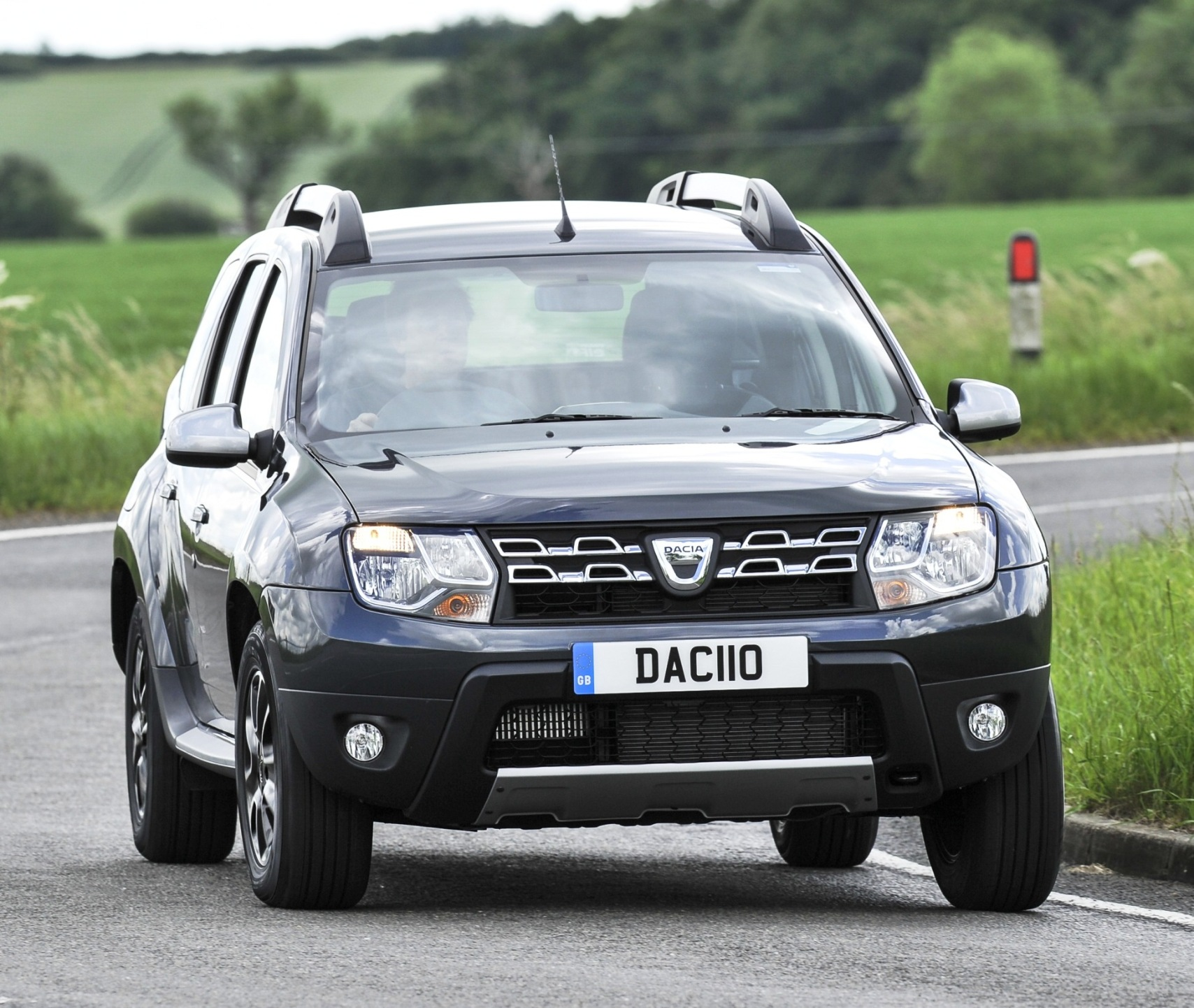cost effective dacia duster road test wheels alive. Black Bedroom Furniture Sets. Home Design Ideas