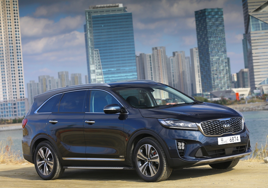first test drive of the kia sorento in south korea. Black Bedroom Furniture Sets. Home Design Ideas