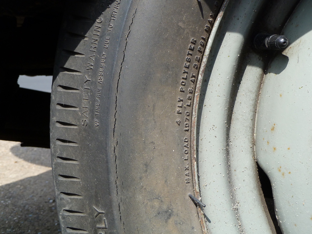 Why do tyres crack? Tyre City   Tyre City